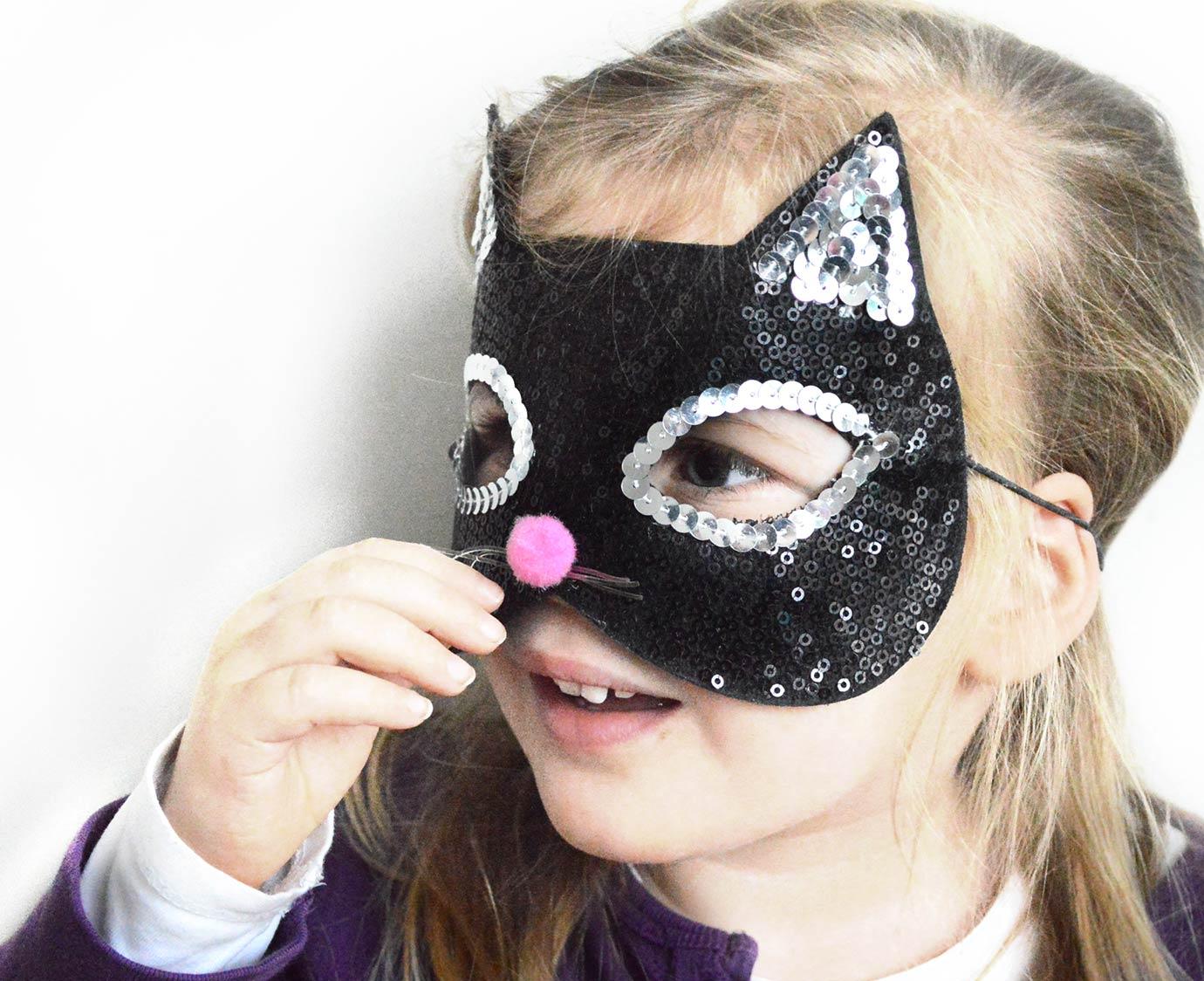 * Masker 'Poes'
