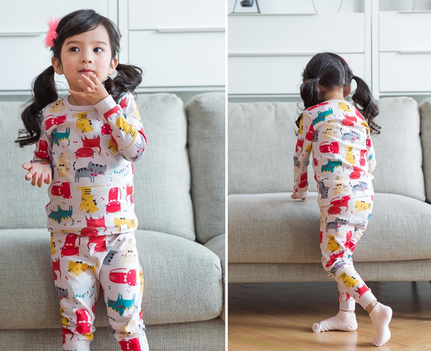 Pyjama 'Grooming Cat'