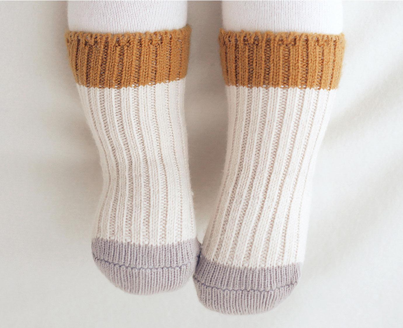 Sokken 'Retro mosterd' kleur