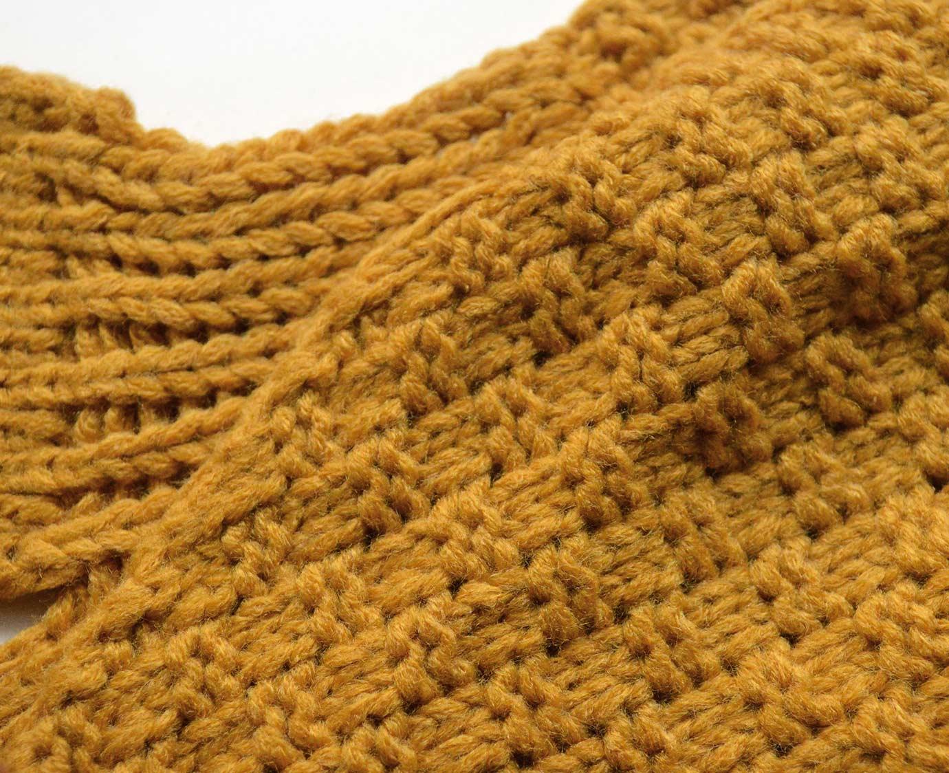 "Sjaal ""Knit Mosterd"""
