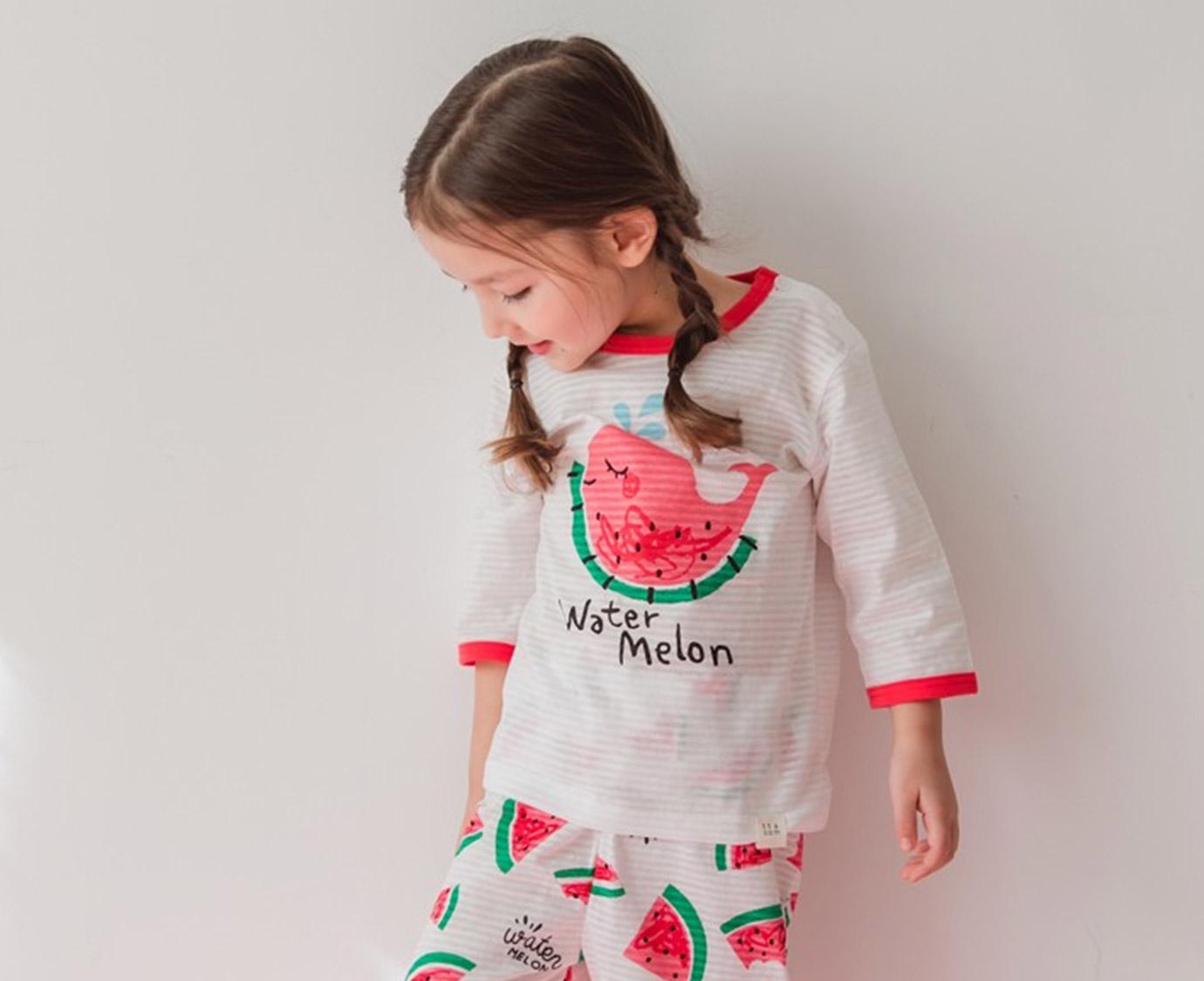 Pyjama ' Whale Melon' kleur