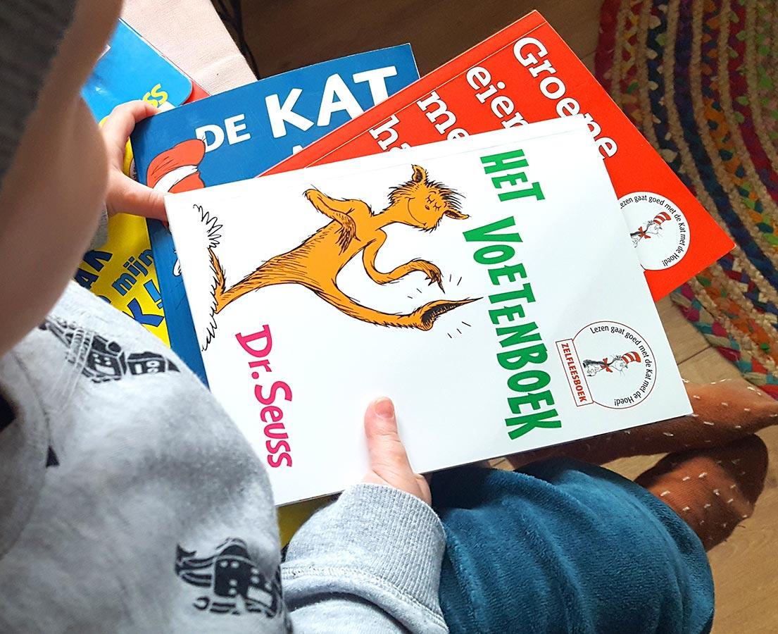 Leeskoffer  'De kat met de hoed'