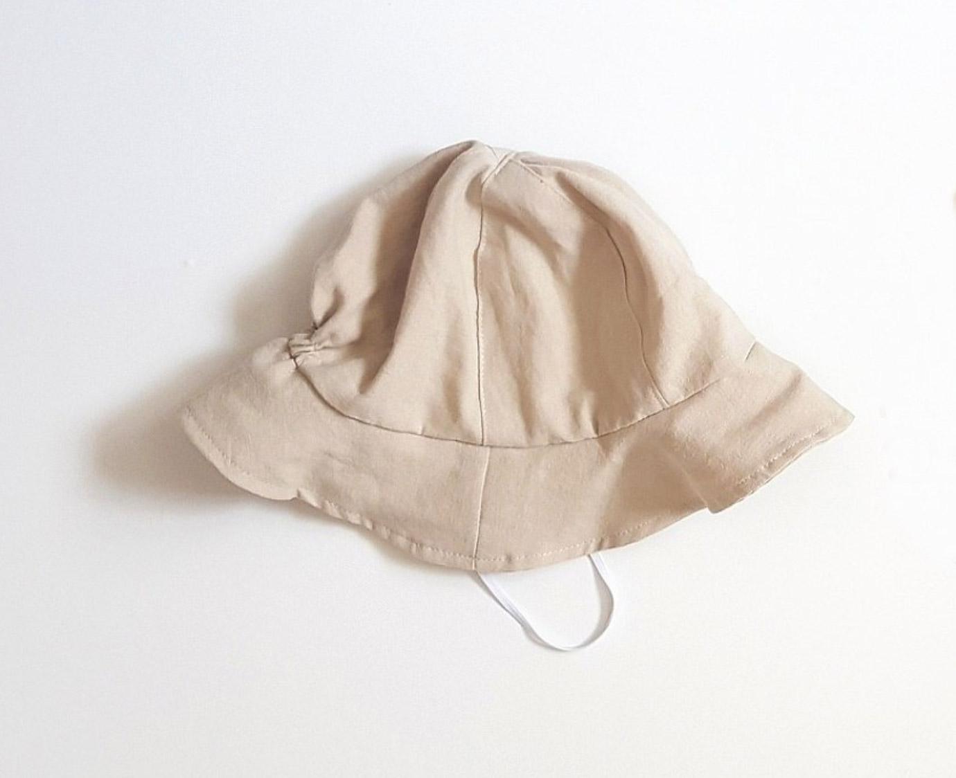 Zomerhoedje 'Linen Bucket'
