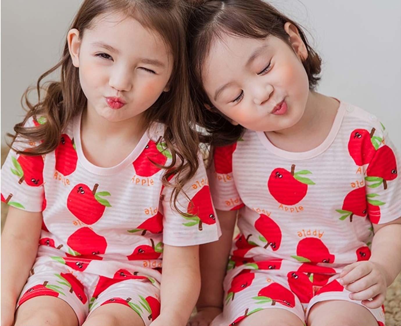 Pyjama ' Apple' kleur