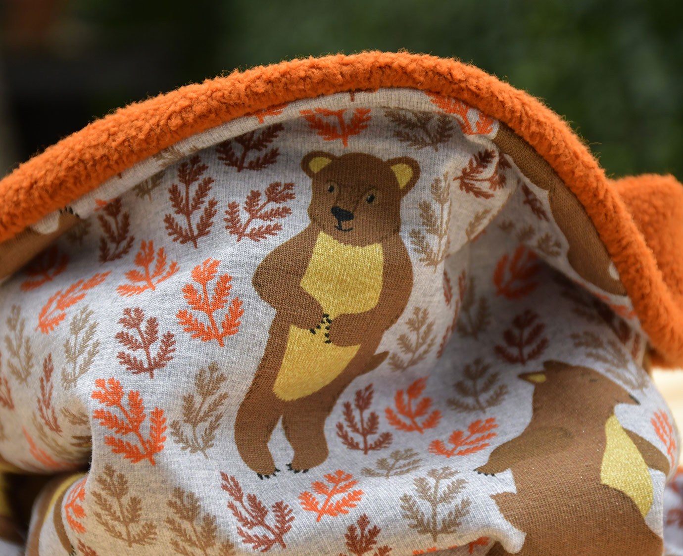 Colsjaal 'Harvest Bear' kleur