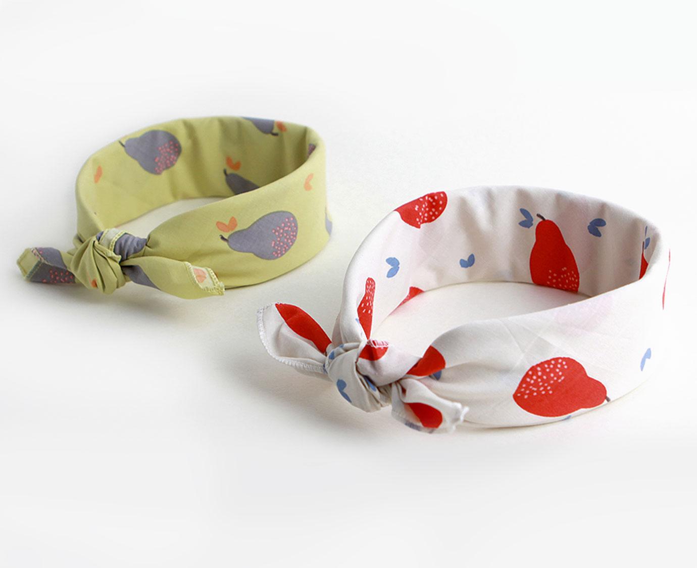 Petit scarf 'Pears' kleur